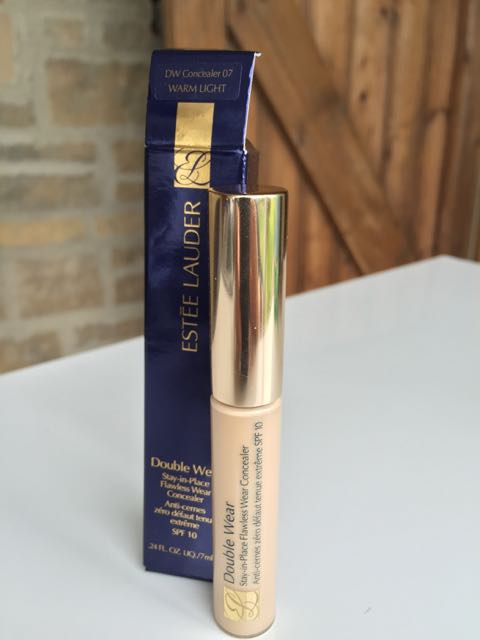 Estee Lauder Double Wear - 1