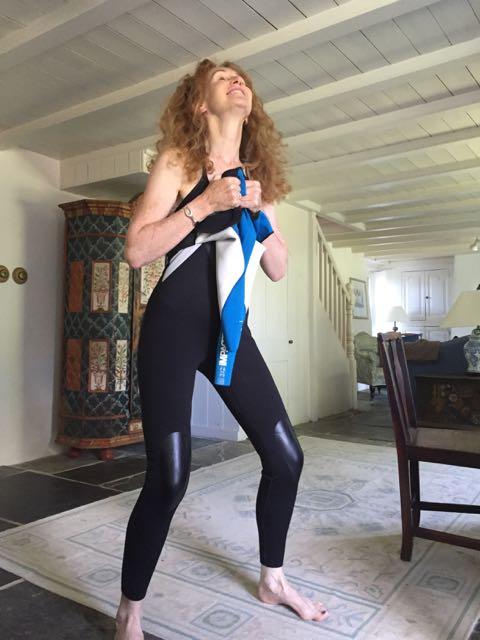 wetsuit, stretchy, traumatic, struggle