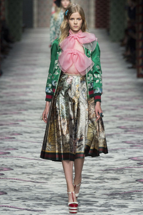 Gucci, Spring Summer 2016, Ready To wear S/S 2016 womenswear, Vanessa Voegele-Downing, themodeledit.com, skirt, cardigan, pink, organza, pussy bow