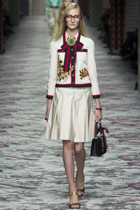 Gucci, Spring Summer Women's ready To Wear 2016, skirt, jacket, white, red, navy blue, handbag, women's shoes, high heeled shoes
