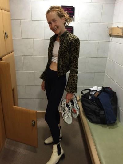 gym, sweatpants, leisure wear, www.themodeledit.com,trainers, running shoes, locker room, Mrs V