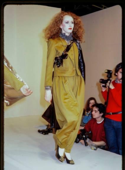 Press Show, Paris Collections, Pret a Porter, Chantal Thomas, womenswear, Mrs V , The Model edit, www.themodeledit.com, Vanessa Voegele-Downing, modelling, catwalk, french designer fashion, redhead, model
