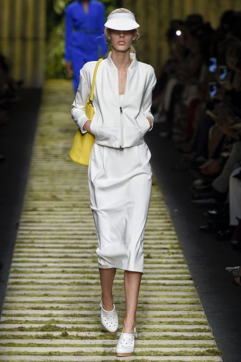 Max Mara, SS17, white skirt suit, baseball cap, yellow handbag