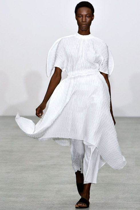 Sid Neigum SS17, LFW, London Fashion Week, Brewer Street Car Park Show Space, white dress suit, white